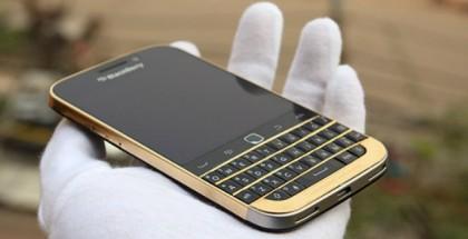 BlackBerry Classic Gold