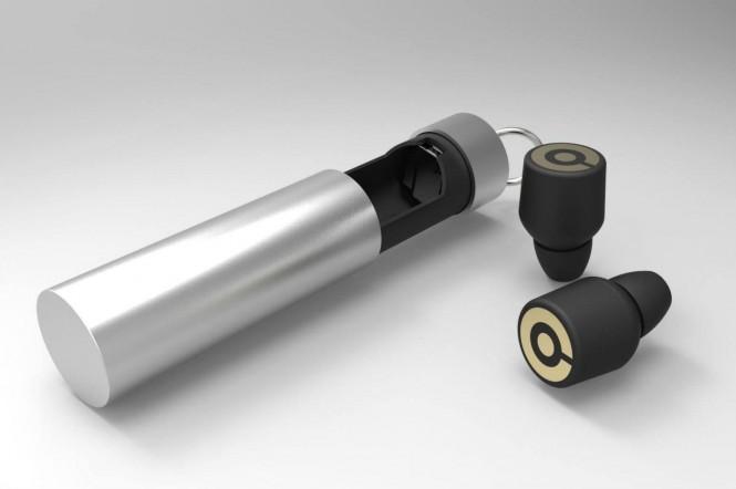Los Earin se cargan mediante una cápsula que además incluye una batería recargable para incrementar su autonomía.