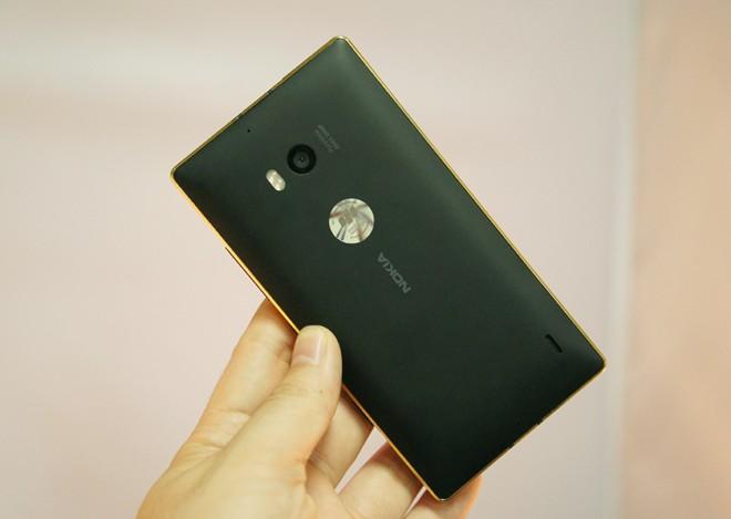 Lumia-930-oro-24-quilates(8)