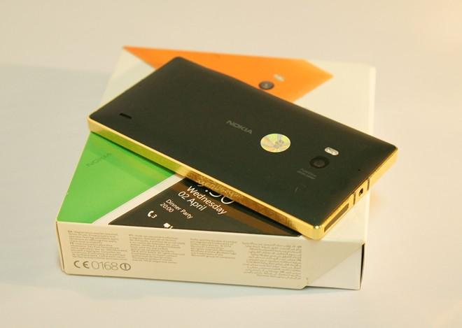 Lumia-930-oro-24-quilates(9)