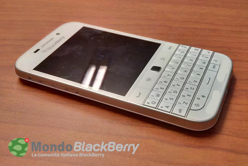 blackberry classic white 2