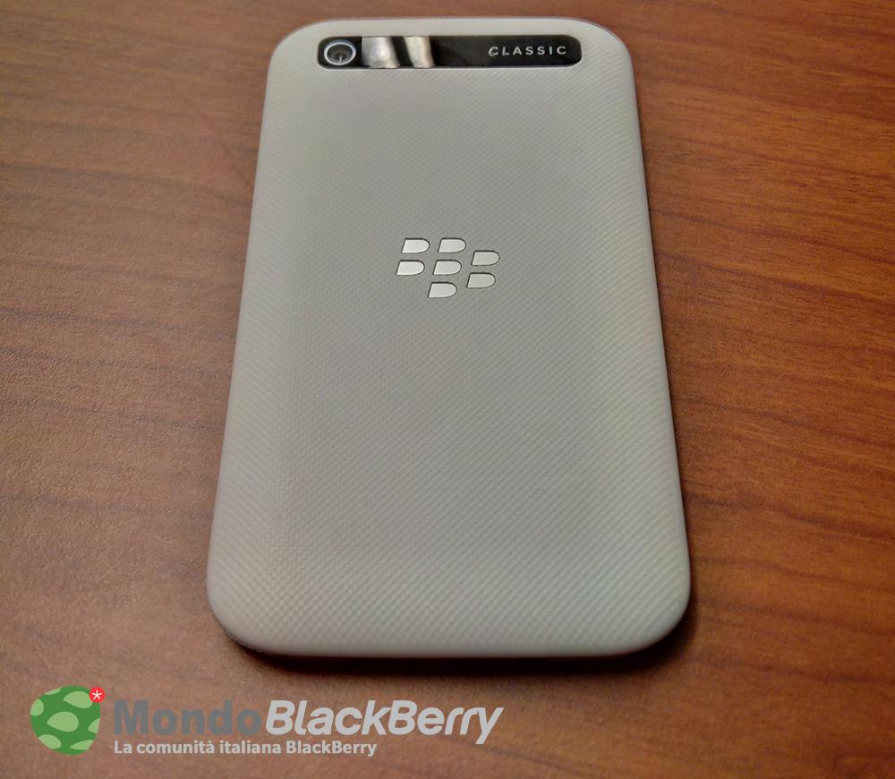blackberry classic white 3