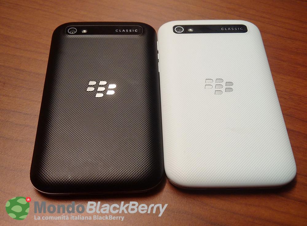 blackberry classic white 4