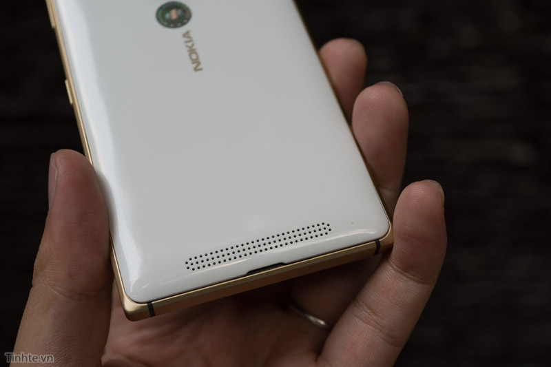 Nokia-Lumia-830-Dorado(10)