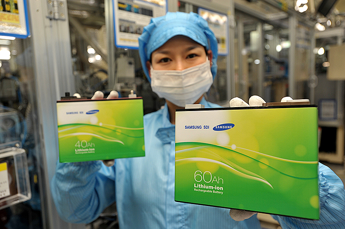 Samsung-compra-Magna-Steyr
