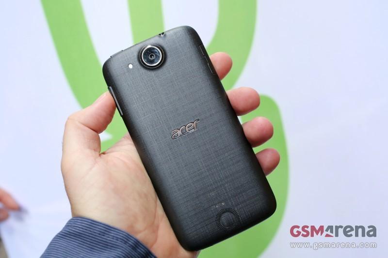 Acer-Liquid-Jade-Z-MWC2015(3)