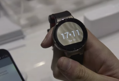 Alcatel-OneTouch-Watch-Hands-on-MWC2015