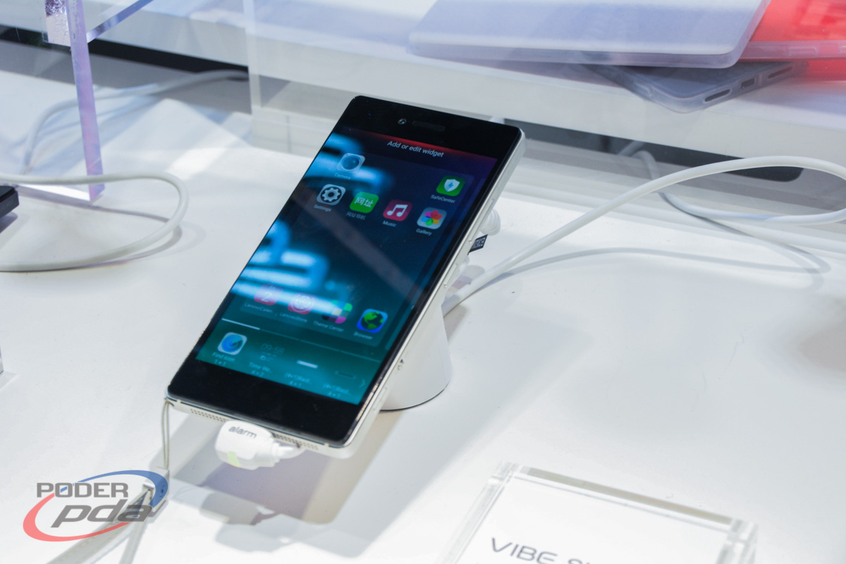 Lenovo-Vibe-Shot-Hands-On-MWC2015(13)