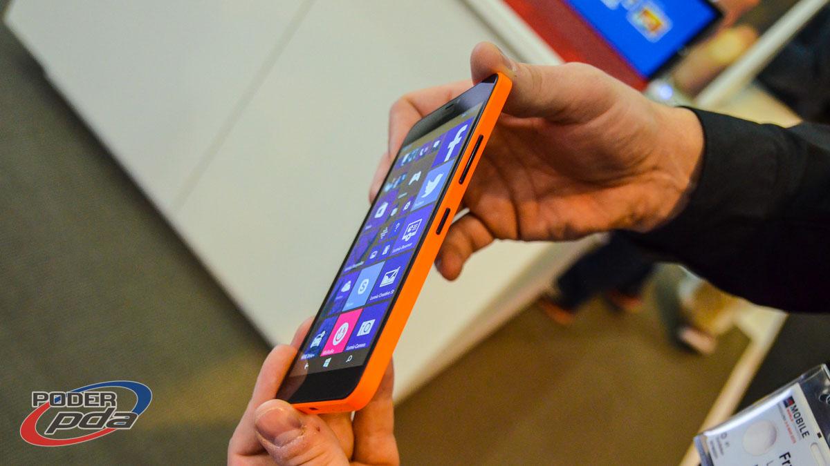 Microsoft-Lumia-640-XL-MWC2015(4)