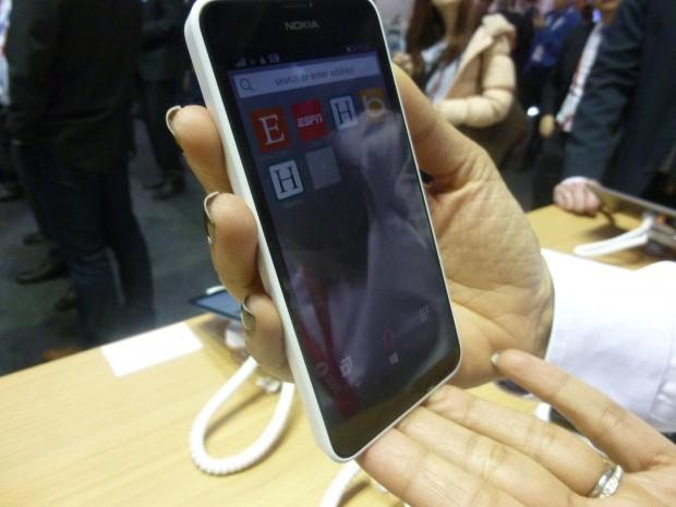 Opera Mini Preview Windows Phone Lumia 640 MWC2015_2