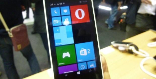 Opera Mini Preview Windows Phone Lumia 640 MWC2015_5