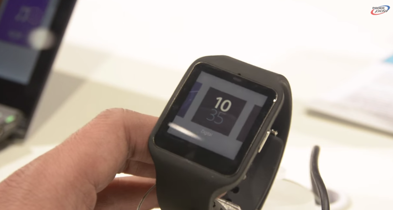 Sony-SmartWatch-3-Hands-On-MWC2015