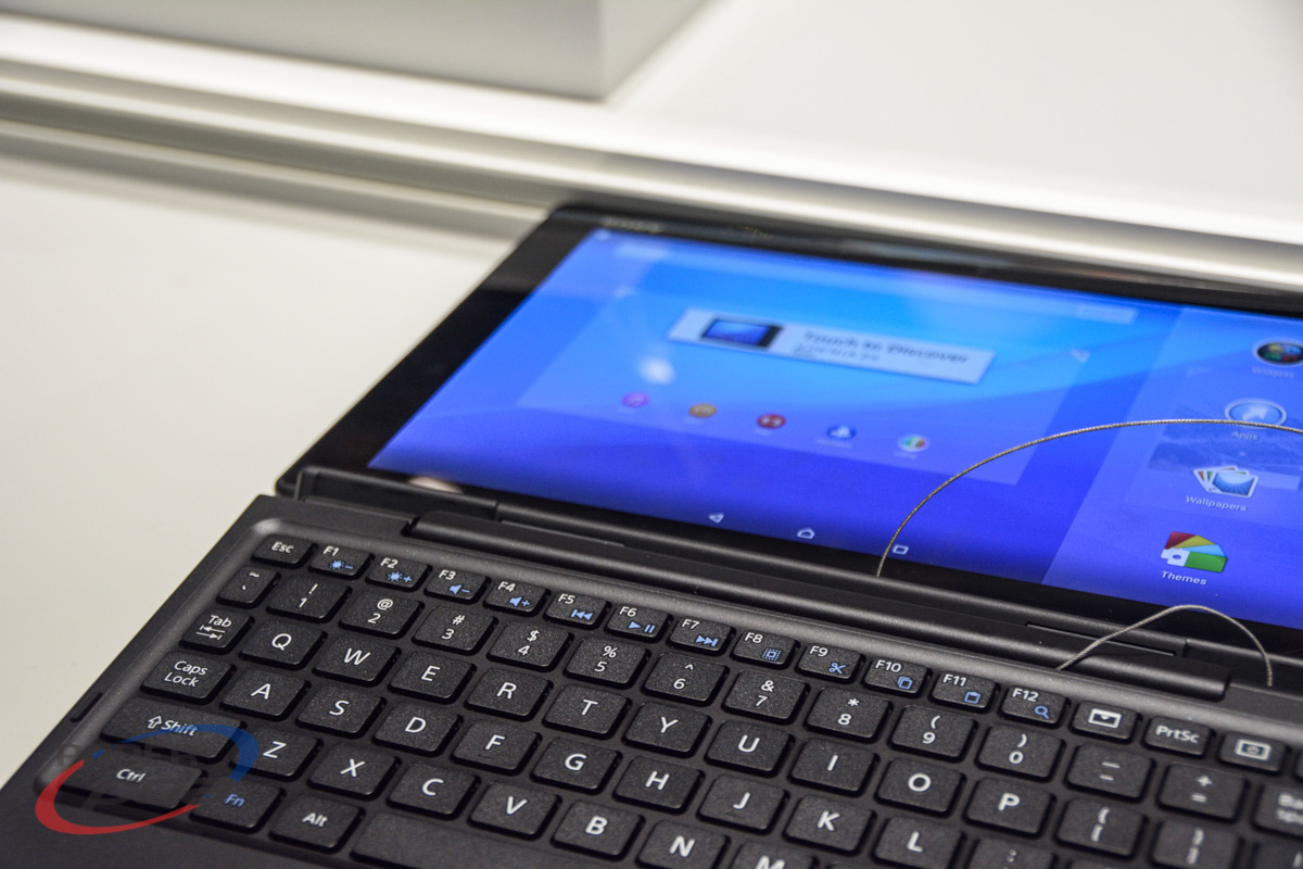 Sony-Xperia-Z4-Tablet-Hands-On-MWC2015(13)