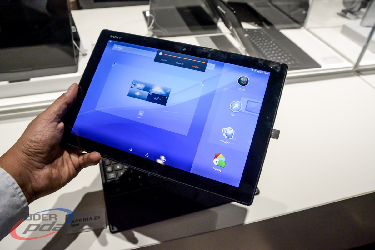Sony-Xperia-Z4-Tablet-Hands-On-MWC2015(9)