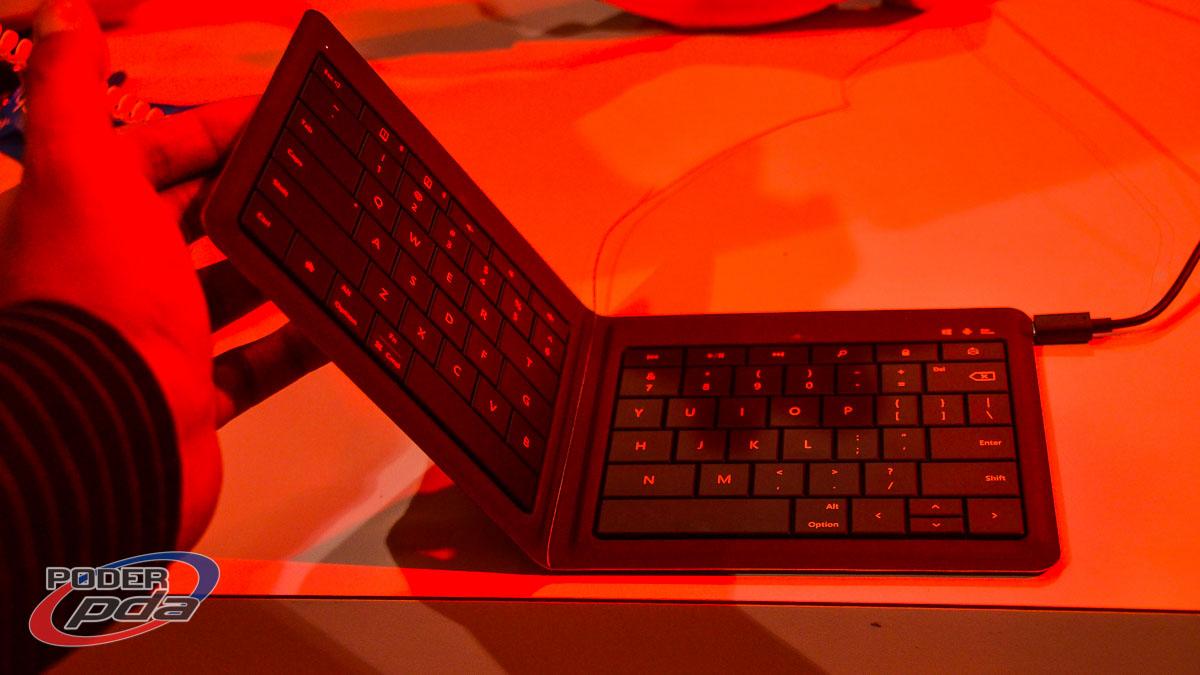 Teclado-plegable-Microsoft-MWC2015(3)