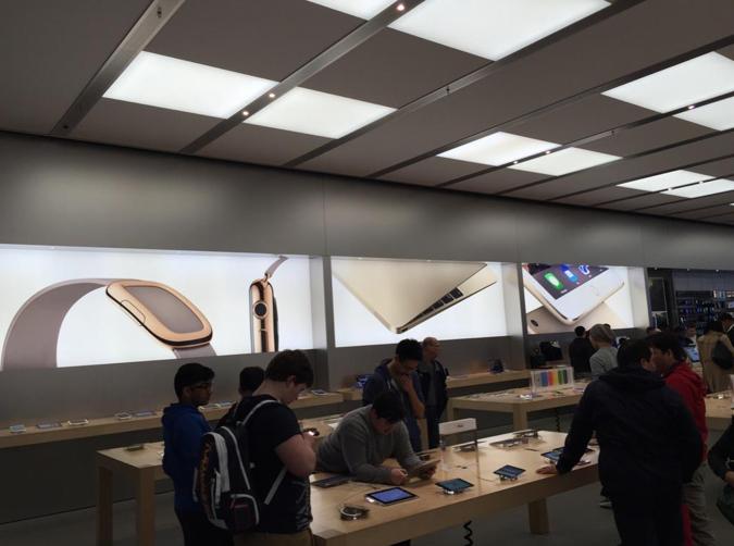apple store- watch