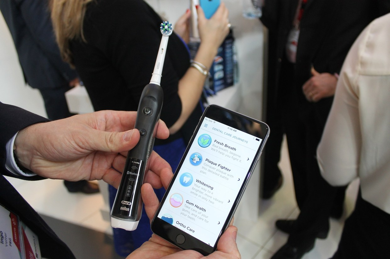 cepillo dental inteligente de oral b mwc2015