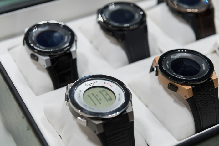 kenneth Cole  connect smart watch