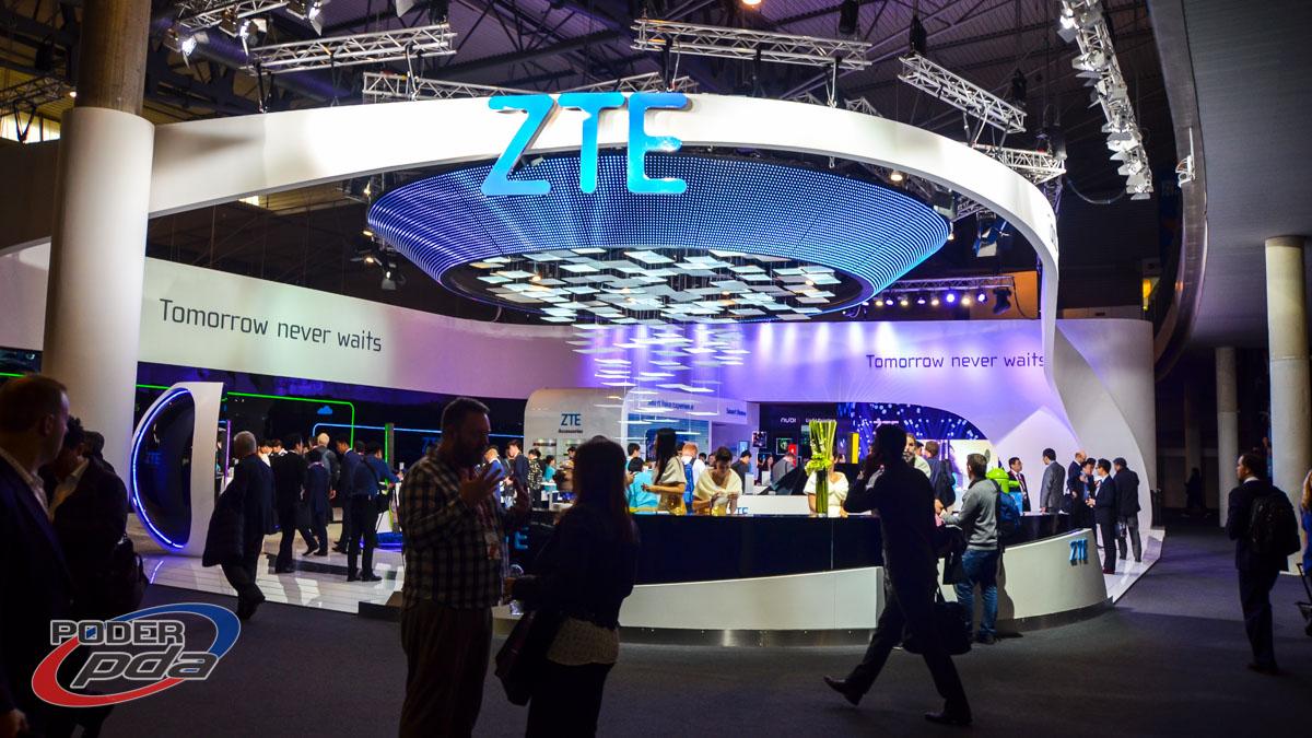 stand-ZTE-MWC2015