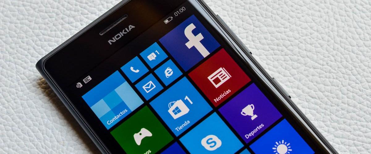 La pantalla y la cámara frontal de los principales protagonistas del Lumia 735 (PoderPDA)