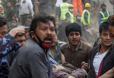 Todos somos habitantes del mundo, ayudemos a nuestros hermanos de Nepal