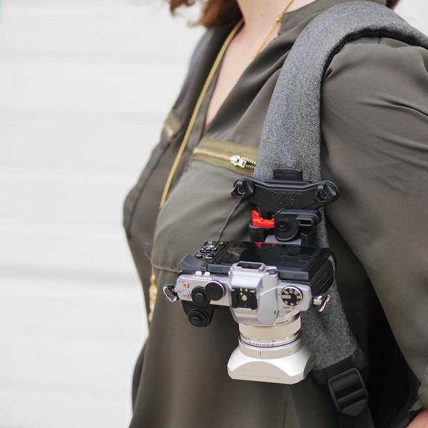 camera-holster-pixel-addix