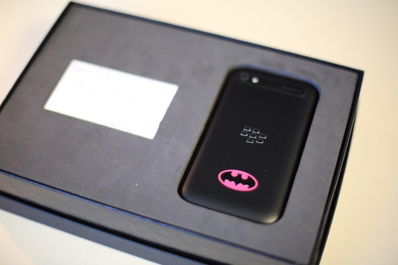 Batman-BlackBerry-Classic