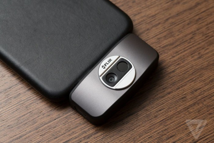 flir-one-iphone