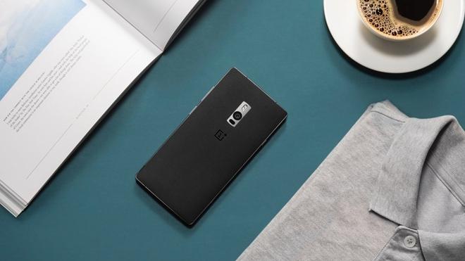 El OnePlus 2 mantiene una línea de diseño similar a su antecesor pero agregando cambios que resaltan.