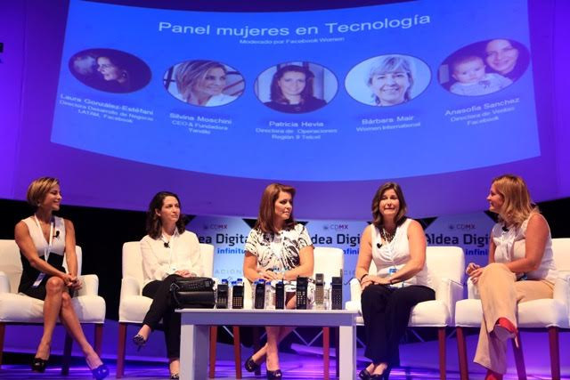 panel mujeres en tecnologia