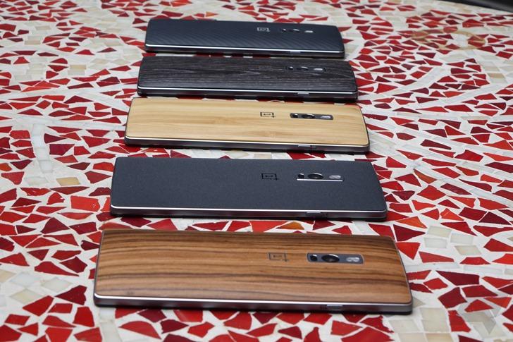 Distintas tapas/acabados para el OnePlus 2