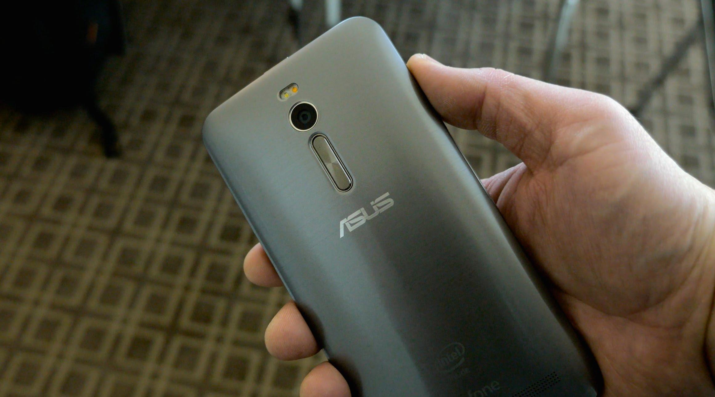 Zenfone 2 cuenta con un diseño similar al LG G4