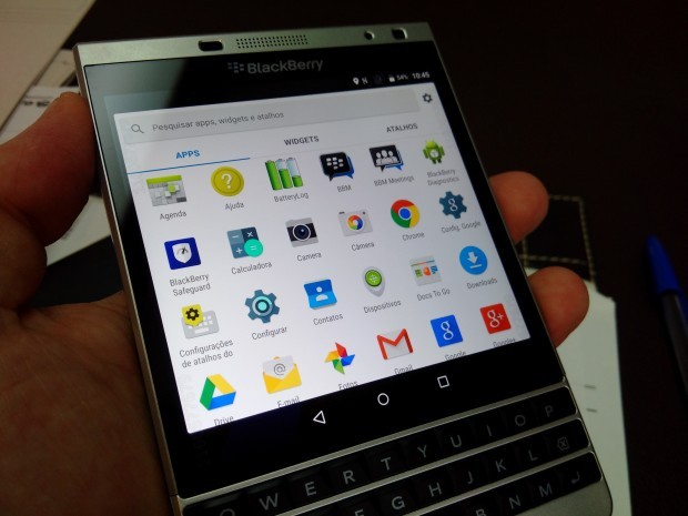BlackBerry-Passport-Silver-Edition-con-Android