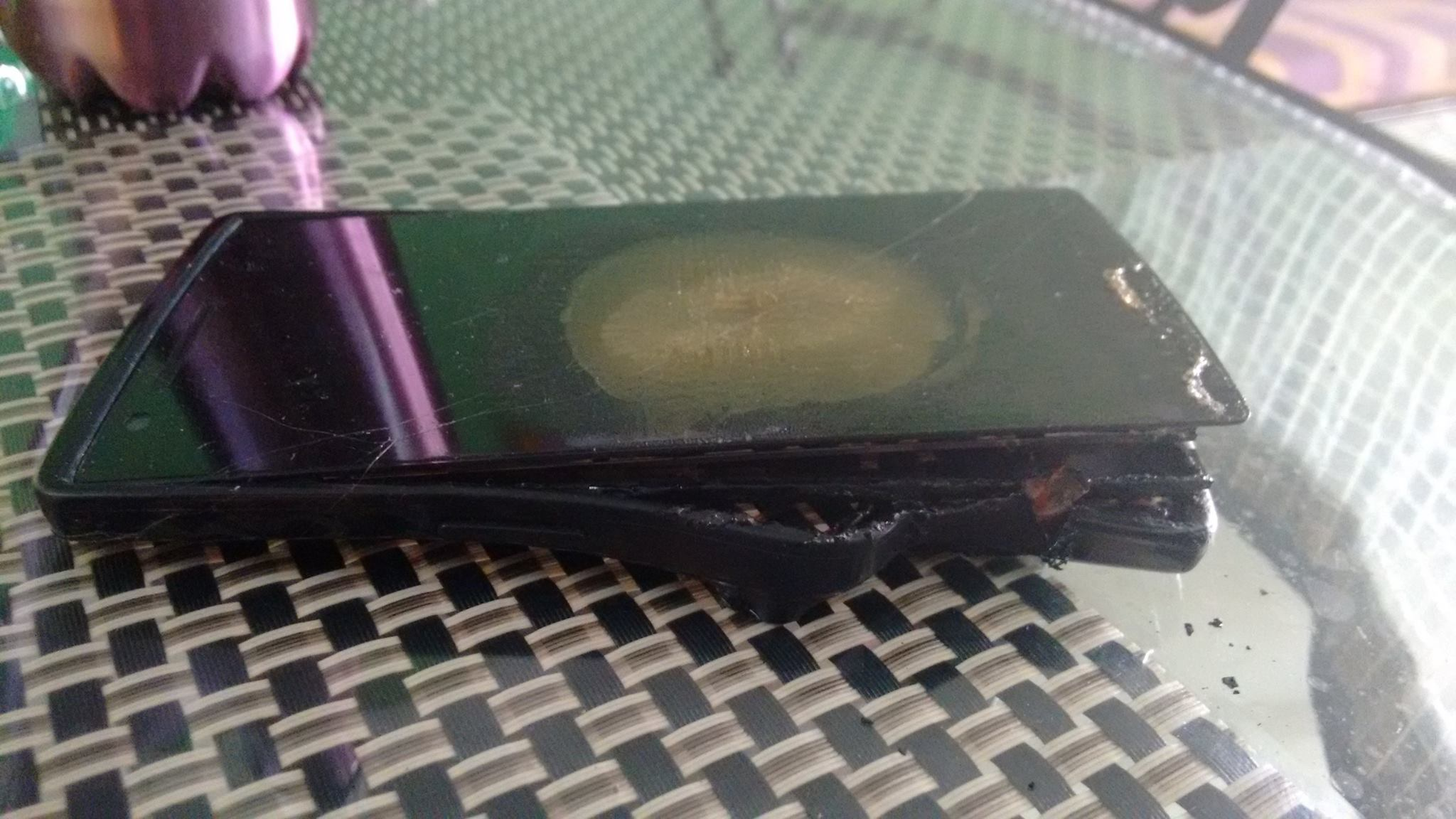 OnePlus One 64 gb black explota en new delhi-5