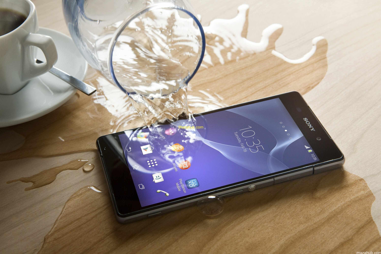 Sony llevó la resistencia al agua y polvo a la gama media