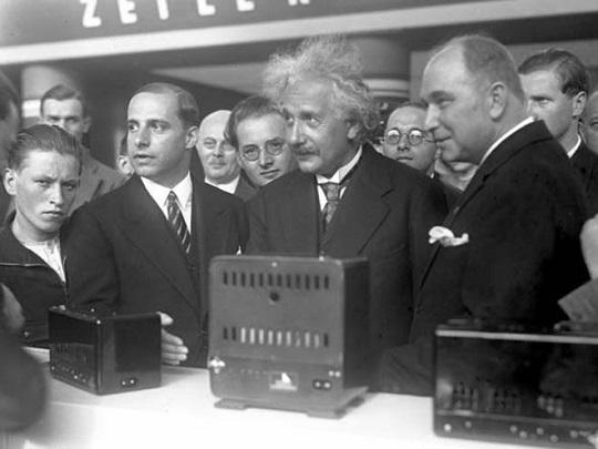 Albert Einstein en IFA 1930