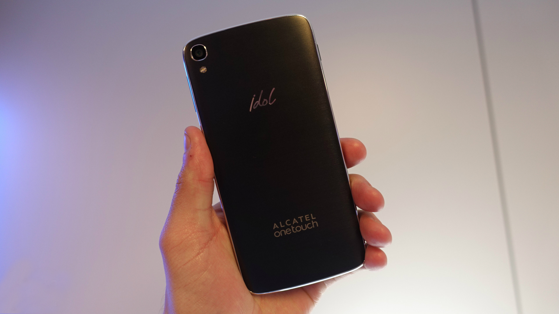 Alcatel OneTouch Idol 3 monta un sensor de 13 megapixeles