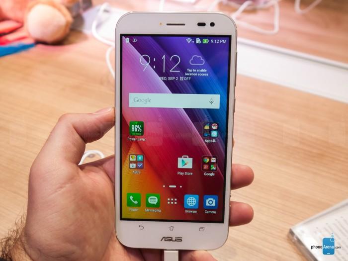 Asus-ZenFone-Zoom-hands-on-IFA-2015(10)
