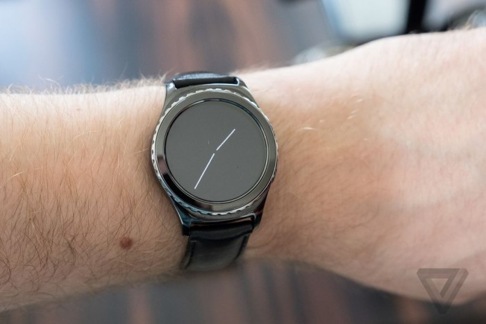 Samsung-Gear-S2-Classic-hands-on-IFA-2015(1)