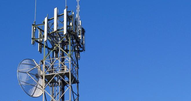Ausencia de radiobases encarece el servicio de telefonía móvil en México