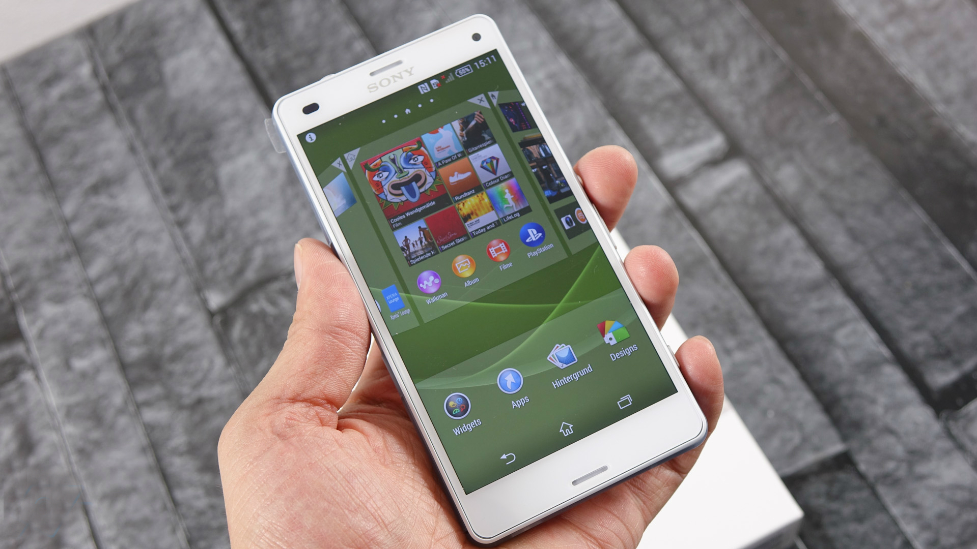 Sony-Xperia-Z3-compact-unboxing
