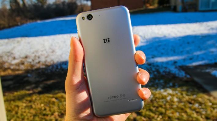 ZTE Blade S6 luce similar a un iPhone 6