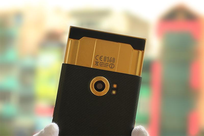 blackberry-priv-recubrimiento oro 24 quilates-4