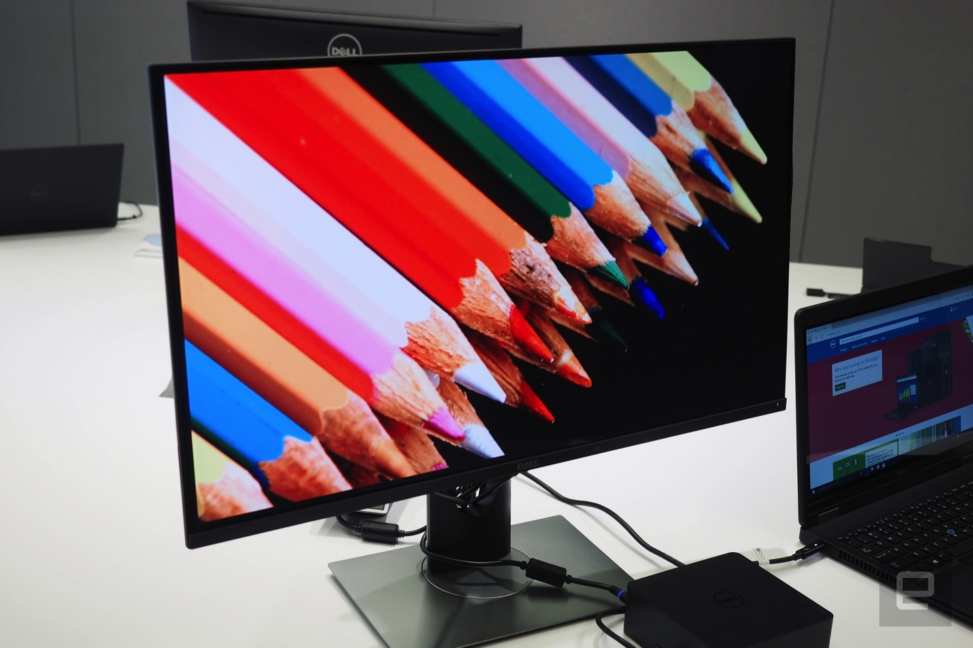 dell panel oled 4k ces 2016 3