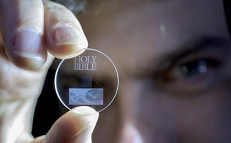 disco cuarzo 5 dimensiones 360 terabytes