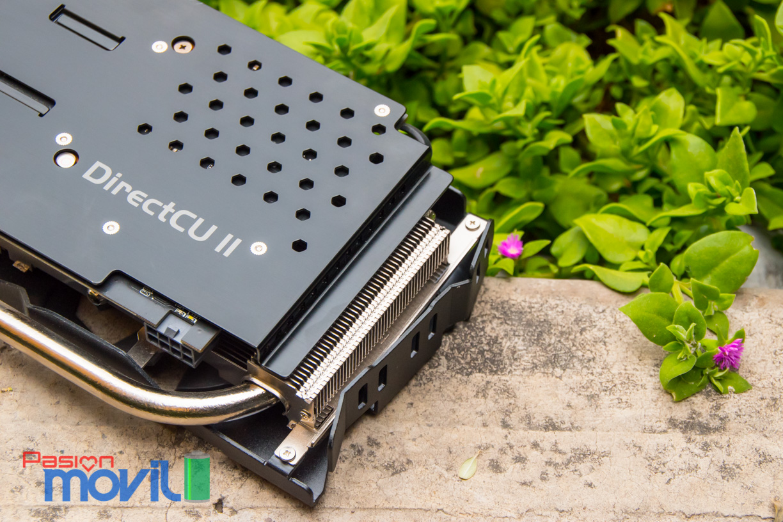DirectCU II cuenta con tres heatpipes, dos de 8 mm y uno de 10 mm