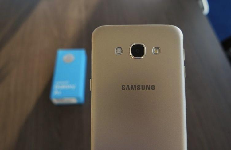 Samsung-Galaxy-C7-cover