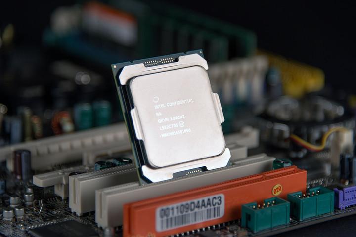 Intel Core i7 BroadWell-E _4