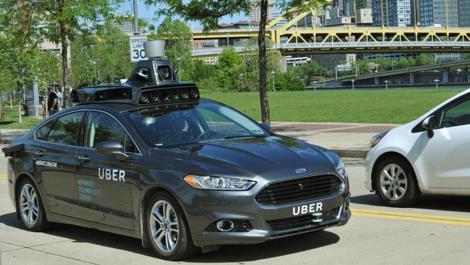 Ford Fusion Hybrid 2016 es el vehículo de pruebas de Uber