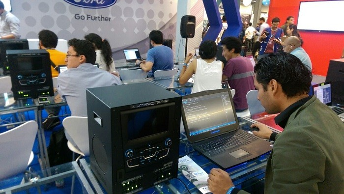 Campus Party Mexico 2016 Ford Sync